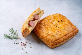 Пирожок «Мюнхенский дуэт» с двумя сосисками 2...