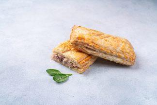 Пирожок с беконом и сыром 125 г